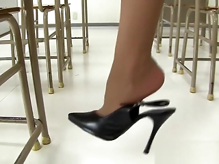 Young Asian Tutor Almost Miniskirt! Upskirt Lacing Glossy Almost Burnish Apply Amphitheatre !